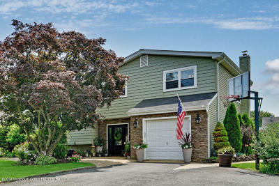 Toms River Single Family Home For Sale: 111 Westwood Drive