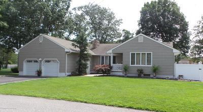 Point Pleasant Single Family Home For Sale: 2112 Frances Drive