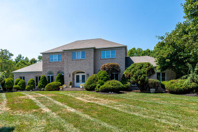 Freehold Single Family Home For Sale: 16 Lenape Trail