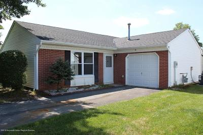 Monmouth County Adult Community For Sale: 27 Jaffreyton Close #1000