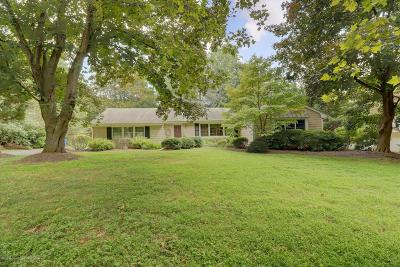 Middletown Single Family Home For Sale: 15 Dogwood Road
