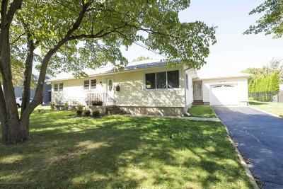 Monmouth County Single Family Home For Sale: 23 Hiawatha Avenue