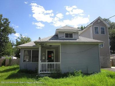Keansburg Single Family Home For Sale: 28 Evergreen Place