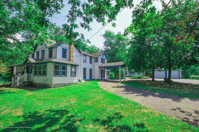 Monmouth County Single Family Home For Sale: 433 W Farms Road