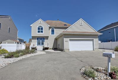 Toms River Single Family Home For Sale: 3299 Churchill Drive