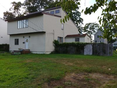 Keansburg Single Family Home For Sale: 79 Park Avenue
