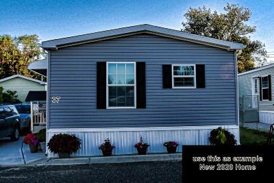 Hazlet Single Family Home For Sale: 37 Monique Court