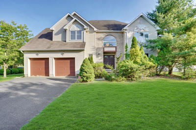 Eatontown NJ Single Family Home For Sale: $925,000
