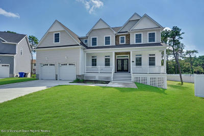 Toms River Single Family Home For Sale: 7 Pantzer Court