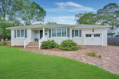 Point Pleasant Single Family Home Under Contract: 823 Fay Court