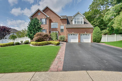Morganville Single Family Home For Sale: 71 Crescent Court