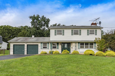 Howell Single Family Home For Sale: 15 Taunton Drive