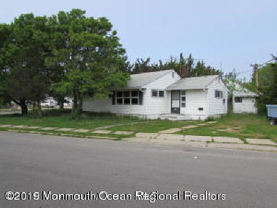 Seaside Heights Single Family Home For Sale: 200 Ceylon Avenue