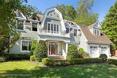 Monmouth County Single Family Home For Sale: 130 Oak Place