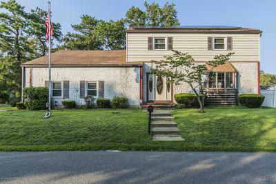 Beachwood Single Family Home For Sale: 86 Maple Street