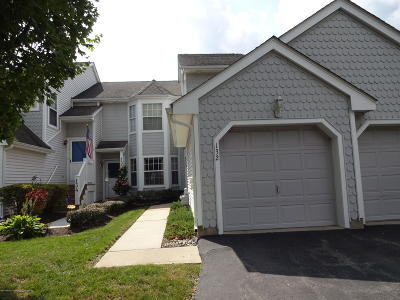 Freehold Condo/Townhouse For Sale: 132 Evergreen Court