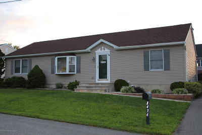 Beachwood Single Family Home For Sale: 1436 Mermaid Avenue