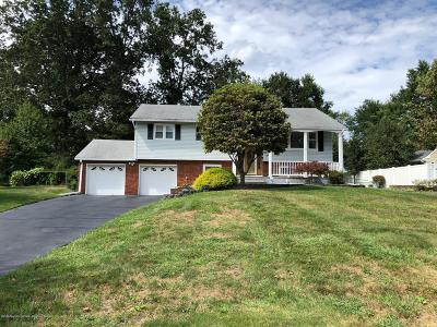 Manalapan Single Family Home For Sale: 9 Sugar Maple Avenue