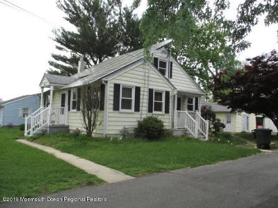 Manalapan Single Family Home For Sale: 220 Freehold Englishtown