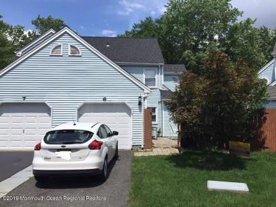 Freehold Condo/Townhouse For Sale: 6 Twain Court