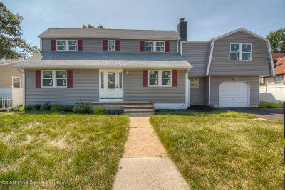 Point Pleasant Single Family Home For Sale: 2506 Willow Street