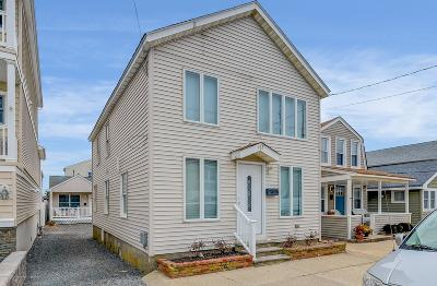 Monmouth County Condo/Townhouse For Sale: 165 1st Avenue #upper