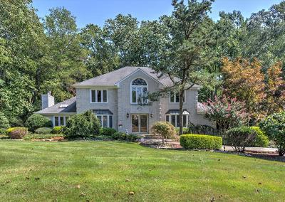 Holmdel Single Family Home For Sale: 21 Sherwood Court