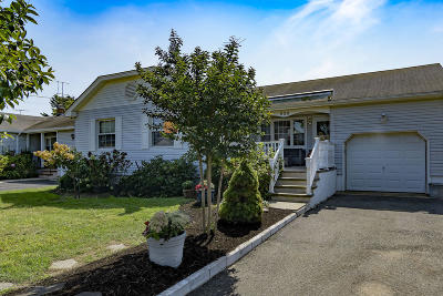 Monmouth County Single Family Home For Sale: 929 Claridge Drive
