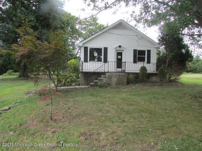 Monmouth County Single Family Home For Sale: 141 Walnford Road
