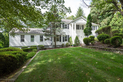 Holmdel Single Family Home For Sale: 7 Marion Drive