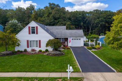 Howell Single Family Home For Sale: 69 Berkshire Drive