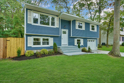 Toms River Single Family Home For Sale: 43 Oak Hill Drive