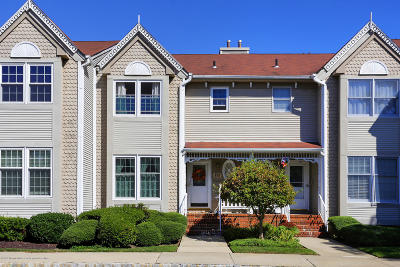 Holmdel Condo/Townhouse For Sale: 112 Northampton Drive #N112