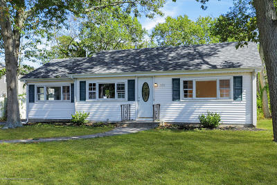 Toms River Single Family Home For Sale: 131 Pine Needle Drive