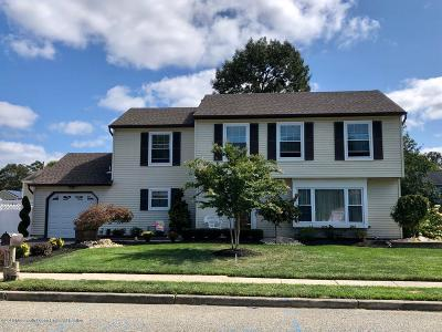 Toms River Single Family Home For Sale: 77 Shining Way
