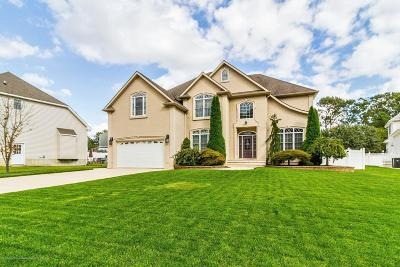 Toms River Single Family Home For Sale: 752 Opatut Court