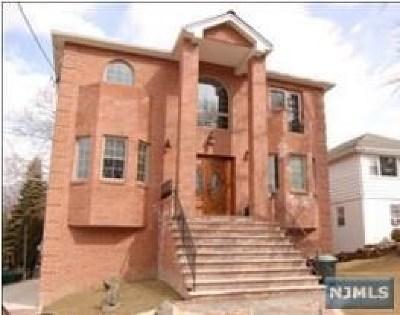 Leonia Single Family Home For Sale: 351 Hillside Avenue