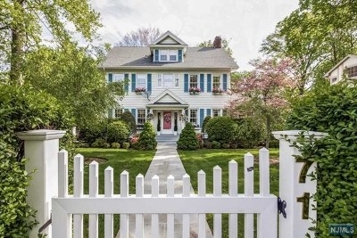 Englewood Single Family Home For Sale: 71 Glenwood Road