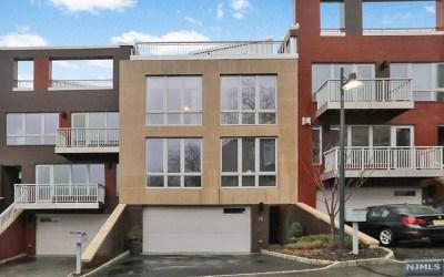 Edgewater NJ Condo/Townhouse For Sale: $1,848,000