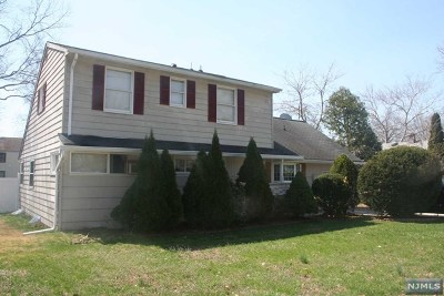 New Milford Single Family Home For Sale: 309 Hoffman Avenue