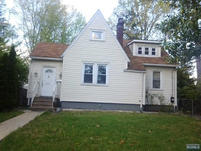Englewood Single Family Home For Sale: 303 Shepard Avenue
