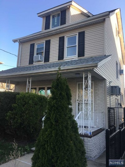 Leonia Single Family Home For Sale: 428 Christie Lane
