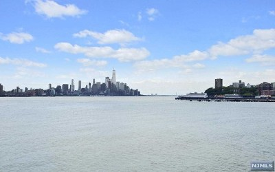 Weehawken NJ Condo/Townhouse For Sale: $735,000