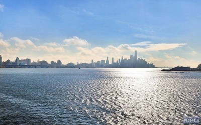 Weehawken NJ Condo/Townhouse For Sale: $674,000