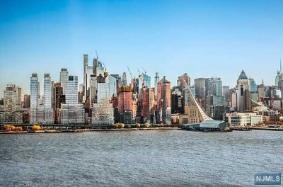 West New York Condo/Townhouse For Sale: 9 Ave At Port Imperial #324