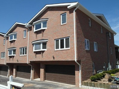 Palisades Park Condo/Townhouse For Sale: 313a Highland Avenue #1