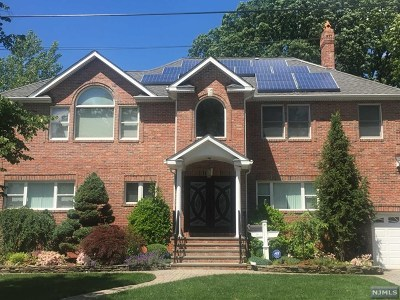 Teaneck Single Family Home For Sale: 329 Grove Street