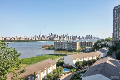 North Bergen Condo/Townhouse For Sale: 8600 Boulevard East #3g