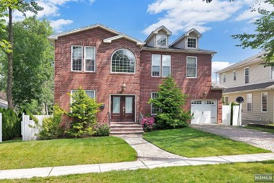 Teaneck Single Family Home For Sale: 1181 East Laurelton Parkway