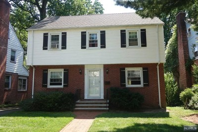 Teaneck Single Family Home For Sale: 1165 Sussex Road